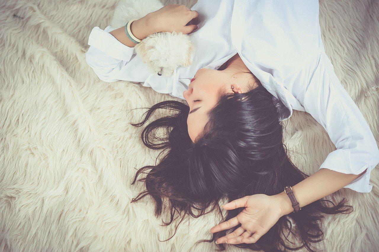 Bild von CBD gegen Schlaflosigkeit – Wirkung und Dosierung