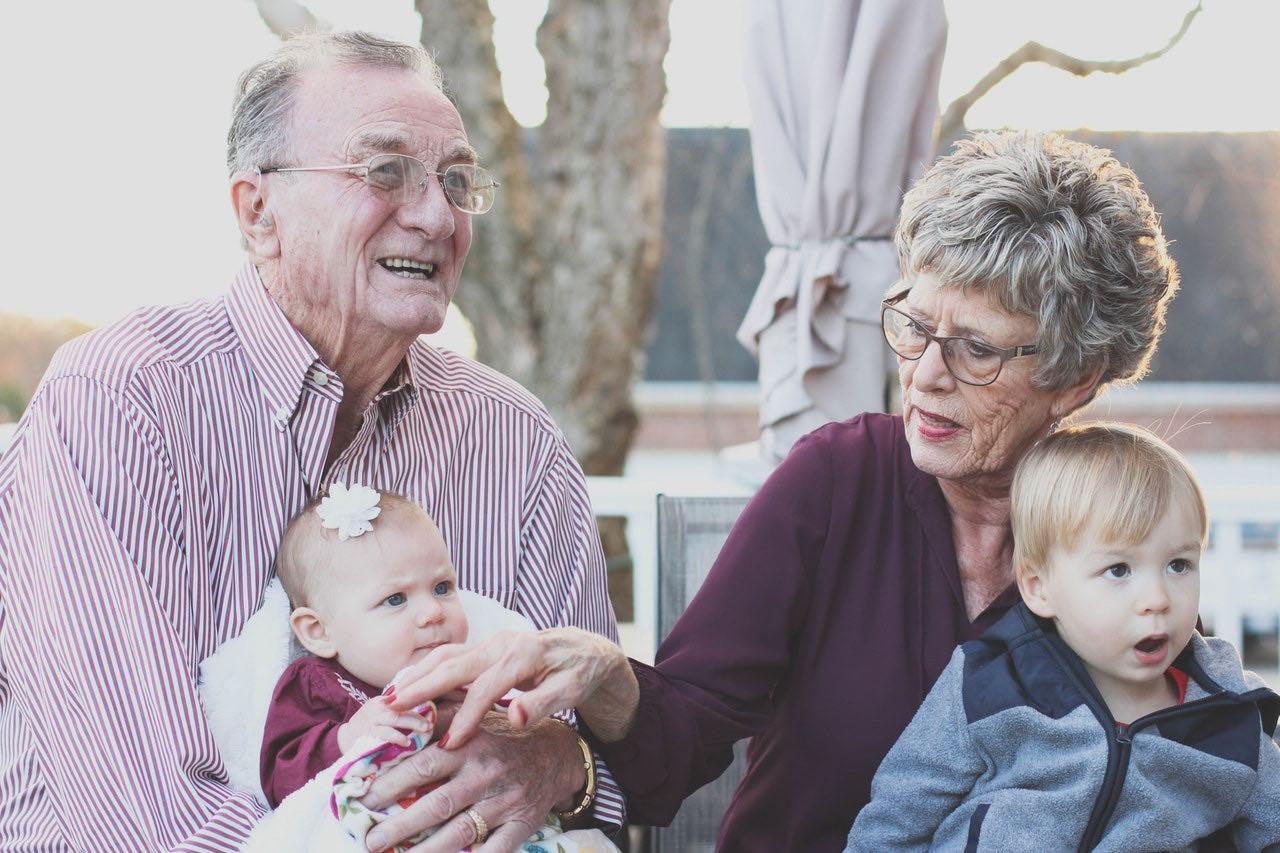 Bild von CBD für Senioren– sinnvoll? Was sagt die Wissenschaft?